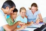 tiếng nhật giao tiếp, Tiếng nhật cơ bản 3, Bài 19: Anh ấy buộc sinh viên viết bài luận mỗi ngày.